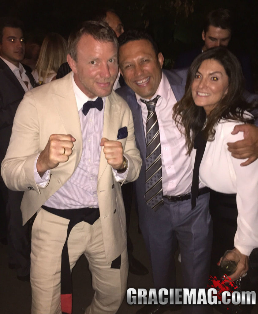 Guy Ritchie with his BJJ black belt https://www.graciemag.com/2015/08/11/cineasta-guy-ritchie-e-o-mais-novo-faixa-preta-de-jiu-jitsu/